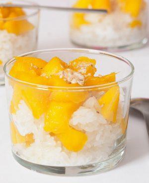 Riz gluant à la vapeur, Mangue et lait de coco