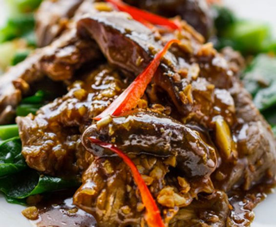 Wok de filet de boeuf en tranche, riz Thaï