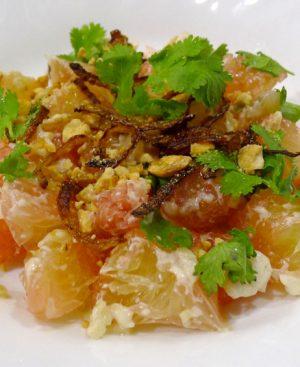 Salade de tofu aux herbes et riz grillé